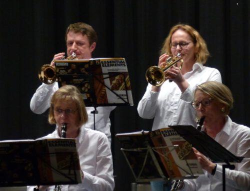 Neue Bläserklasse für Erwachsene: Jetzt Instrumente kennenlernen